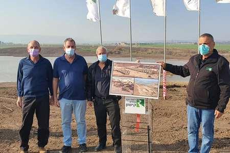 שר החקלאות בסיור מקצועי בעמק יזרעאל, בנושא ענף החלב