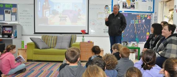 """מבקרים ב""""עמק יזרעאל""""- ראש המועצה וצוות אגף החינוך ביקרו בבית הספר """"עמק יזרעאל"""" בגניגר"""