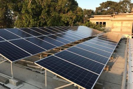 סולארי עכשיו! מערכות סולאריות על גגות בתים פרטיים