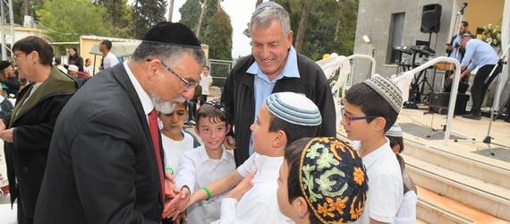 """טקס חנוכת בית הכנסת """"היכל שלמה"""" בשדה יעקב"""