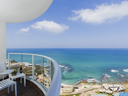 מלון רמדה חדרה ריזורט על הים